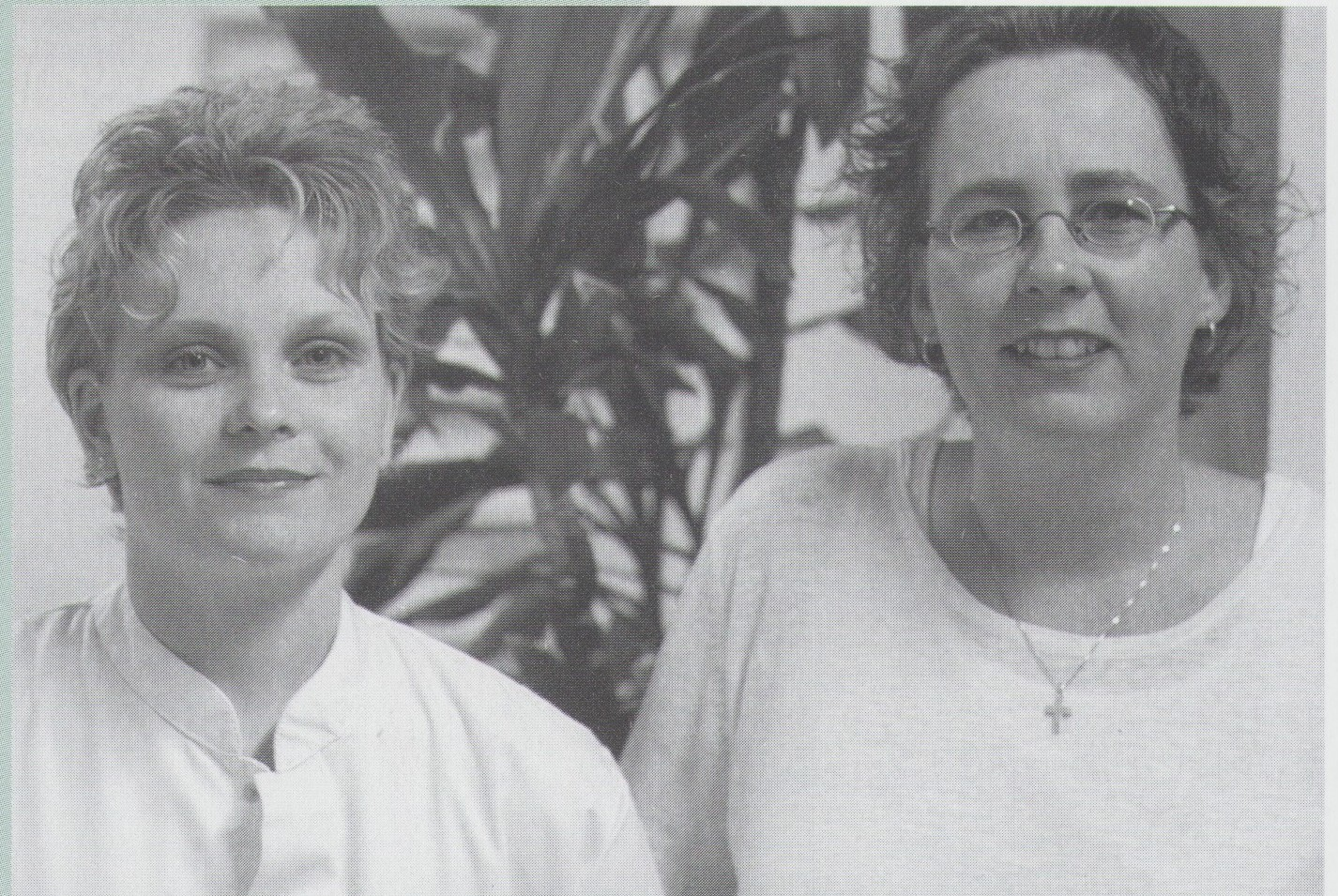 Fig. 8.9. Poliverpleegkundigen Anouk vd Kwaak en Jolan Hendriks 2001